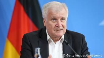 Αλλαγές στο άσυλο θέλει ο Γερμανός υπουργός Εσωτερικών