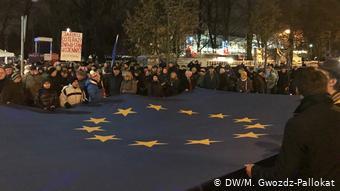 Στιγμιότυπο από παλαιότερη αντικυβερνητική διαδήλωση στη Βαρσοβία