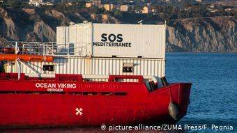 To διασωστικό πλοίο Ocean Viking της SOS Meditterranee