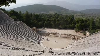 Griechenland Amphitheater von Epidauros (picture-alliance/dpa/B. Schleep)
