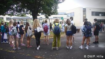 Οι περισσότεροι μαθητές χαίρονται που επιστρέφουν έστω και υπό τις νέες συνθήκες