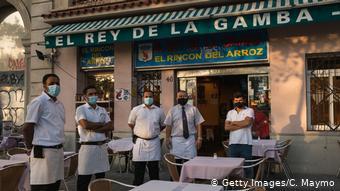 Άδεια τα εστιατόρια και τα μπαρ στη Βαρκελώνη