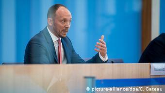 Χωρίς εσωτερική και εξωτερική μετανάστευση η ανατολική Γερμανία δεν θα μπορέσει να διατηρήσει τις οικονομικές της επιδόσεις συμπεραίνει ο Μ. Βάντερβιτς