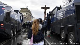 Η σύνθεση των διαδηλωτών ήταν αρκετά ετερογενής