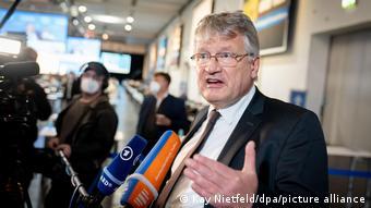Μάταια προσπάθησε ο Γιόργκ Μόιτεν να αποτρέψει μια απόφαση για την έξοδο της Γερμανίας από την ΕΕ