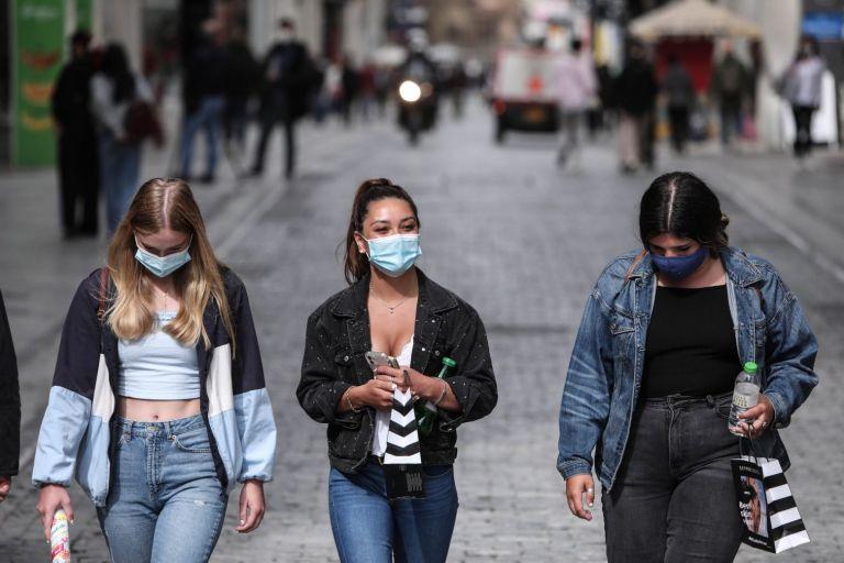 Κοροναϊός: Συνεδριάζει η επιτροπή των λοιμωξιολόγων σήμερα – Ποια θα είναι τα επόμενα βήματα ελευθερίας