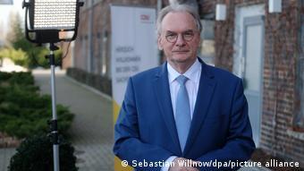 Ράινερ Χάσελοφ, πρωθυπουργός στη Σαξονία-Άνχαλτ